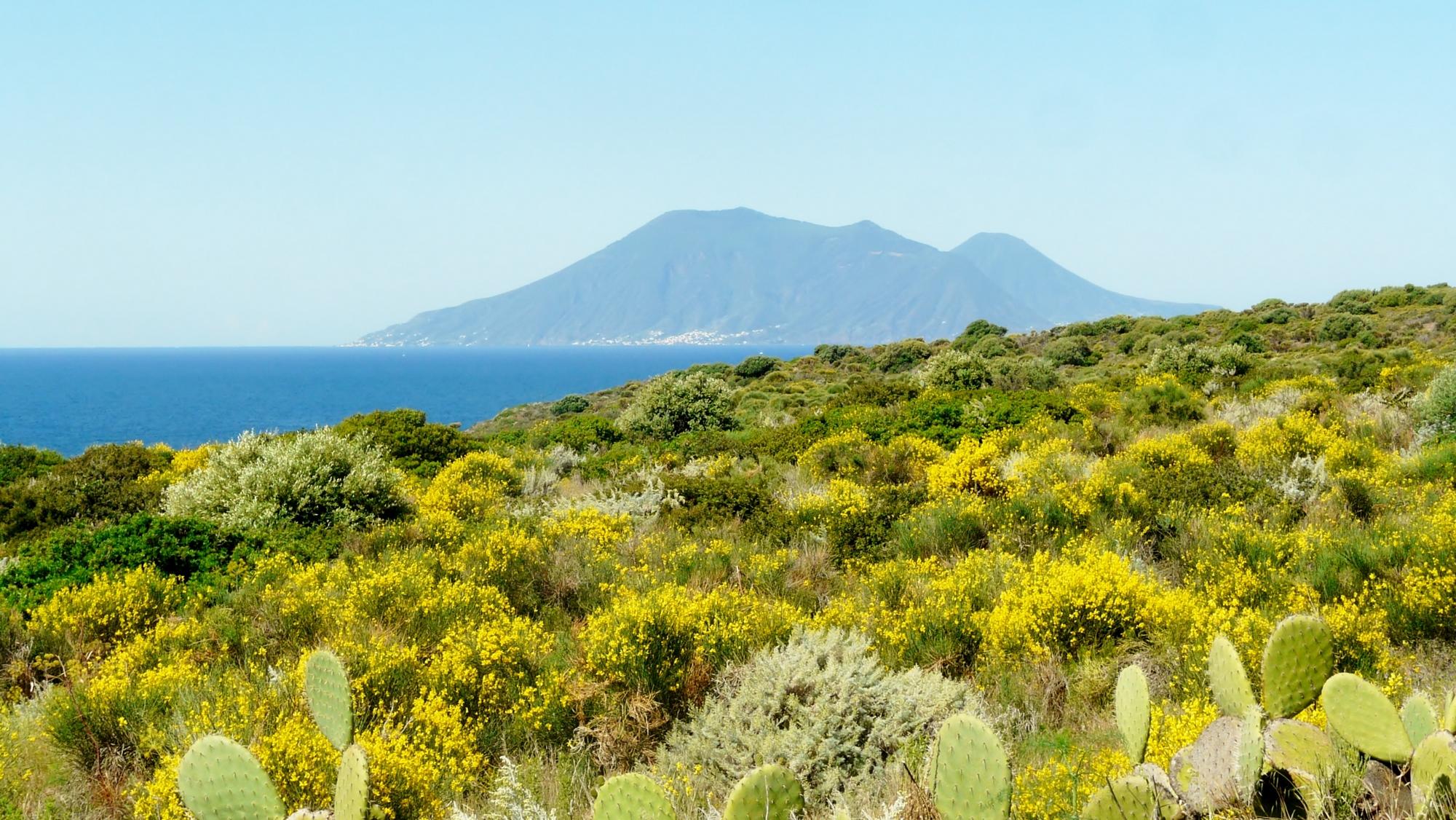 Les Iles Eoliennes et l'Etna
