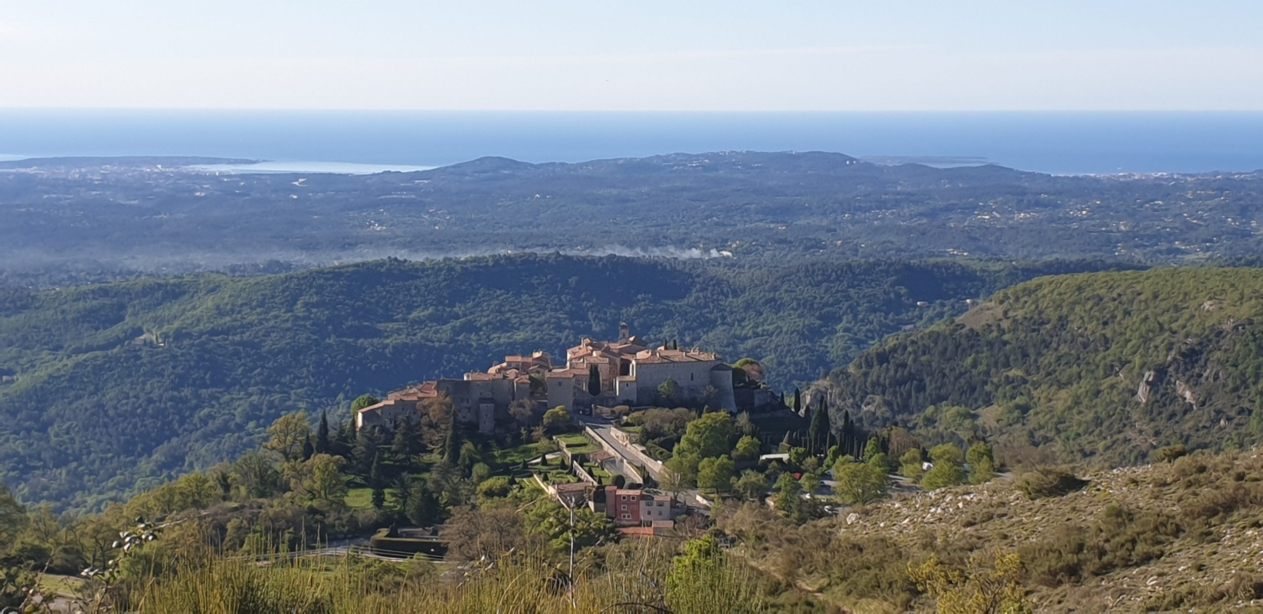 Grasse, Prealps and sheeps [EN]